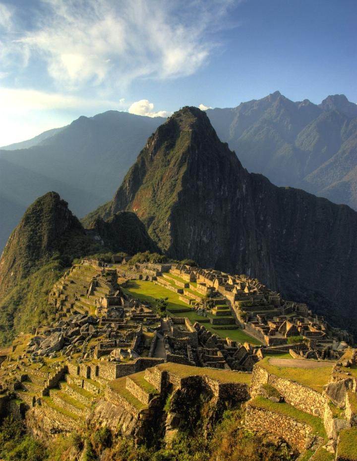 Sunset_across_Machu_Picchu